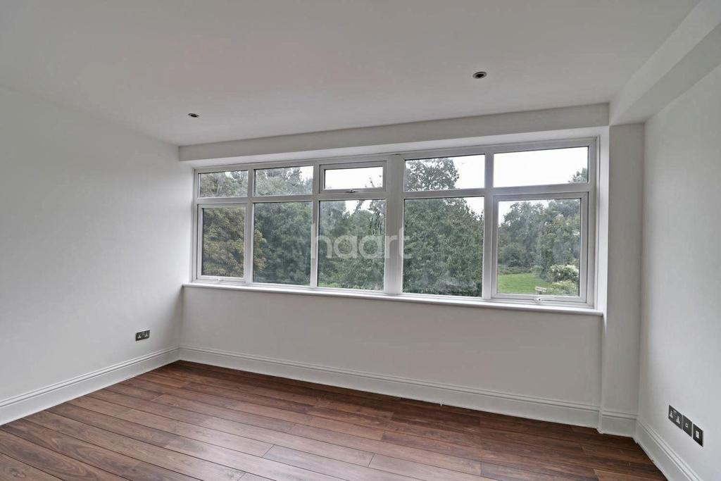1 Bedroom Flat for sale in North Ruislip, HA4