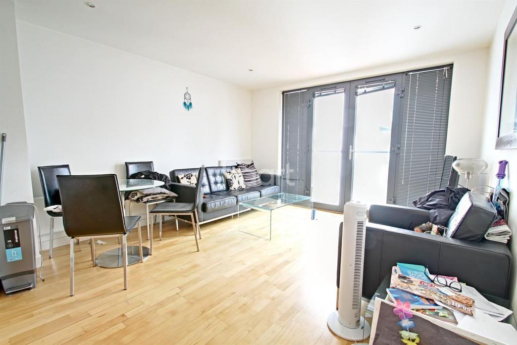 1 Bedroom Flat for sale in Colton Square, Leicester