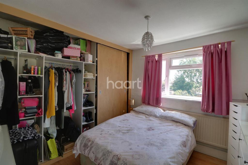 3 Bedrooms Semi Detached House for sale in Churchill Avenue, Hillingdon