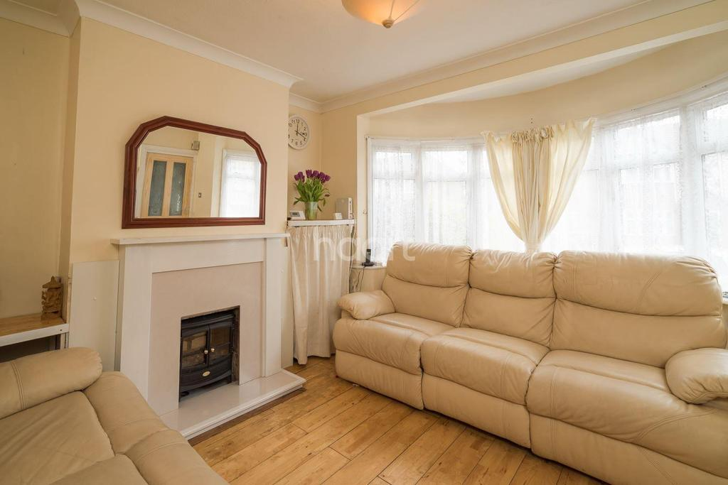 3 Bedrooms Terraced House for sale in Seaton Gardens, HA4