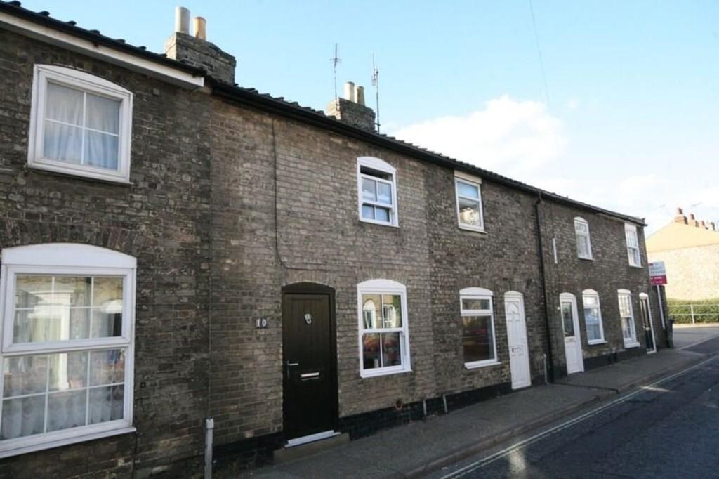 2 Bedrooms Terraced House for sale in Kings Road, Bury St Edmunds