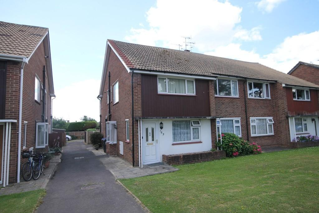 2 Bedrooms Flat for sale in Goring Road, Goring-by-sea, Worthing BN12 4BB