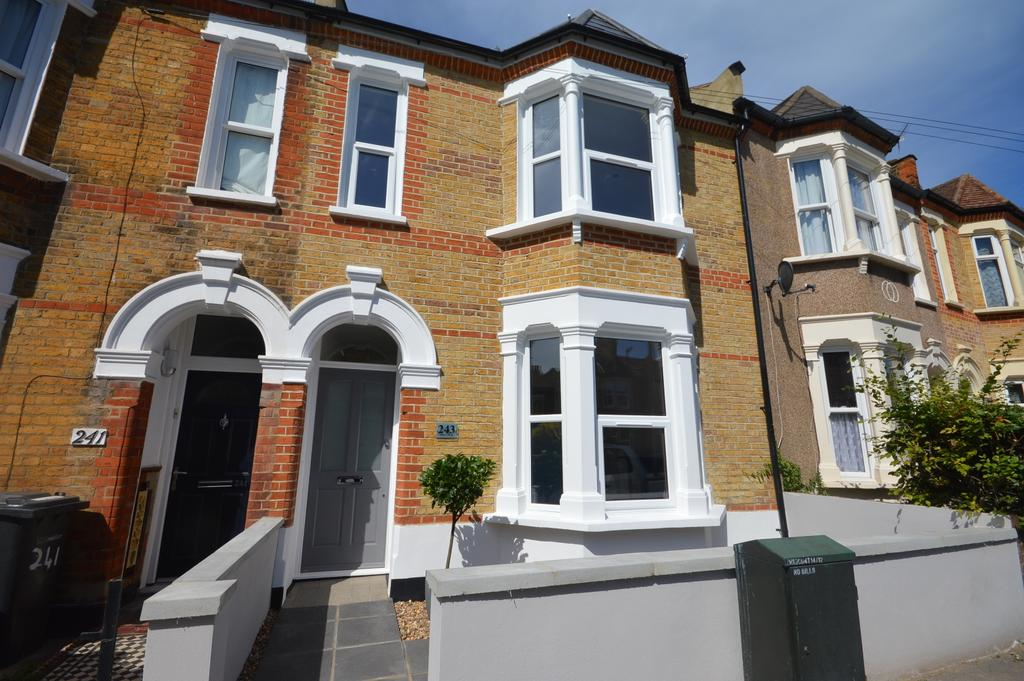 3 Bedrooms Terraced House for sale in Leahurst Road London SE13
