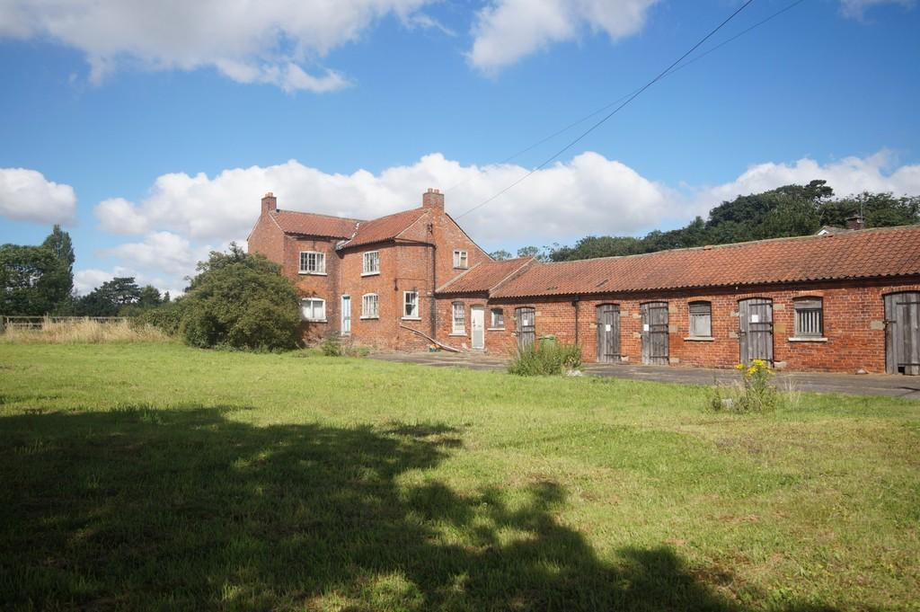 3 Bedrooms Land Commercial for sale in Stow Road, Willingham By Stow, Gainsborough