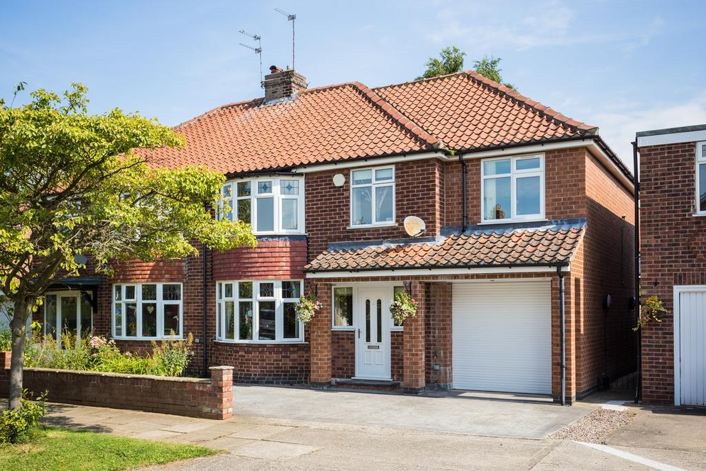 4 Bedrooms Semi Detached House for sale in Middlethorpe Grove, York, YO24
