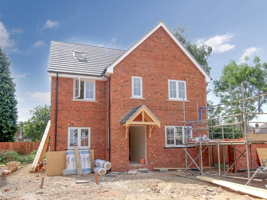 6 Bedrooms Detached House for sale in High Street, Flitwick, MK45