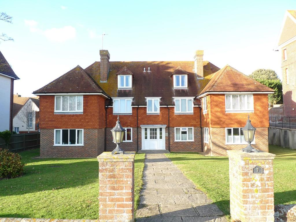 2 Bedrooms Apartment Flat for sale in Chatsworth Gardens, Meads, Eastbourne, BN20
