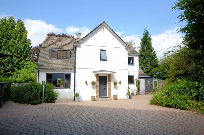 3 Bedrooms Detached House for sale in Tavistock Road, Yelverton