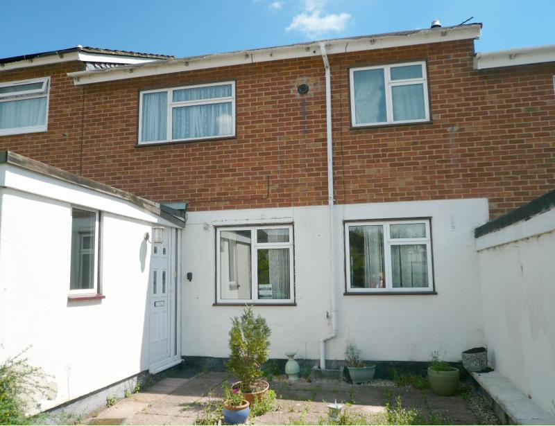 3 Bedrooms House for sale in Hollybush Road, Warminster, BA12