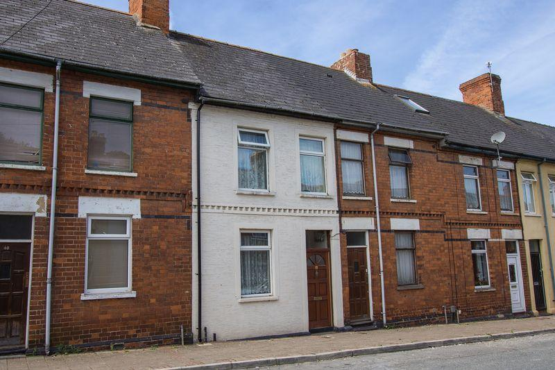2 Bedrooms Terraced House for sale in Dock Street, Cogan, Penarth