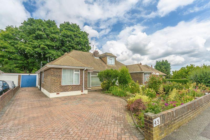 3 Bedrooms Semi Detached Bungalow for sale in Wattendon Road, Kenley