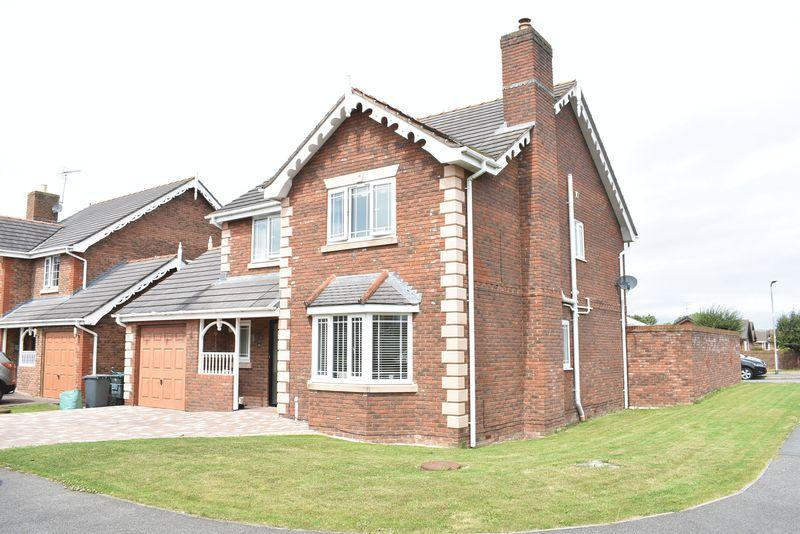 4 Bedrooms Detached House for sale in Parc Gwellyn, Kinmel Bay