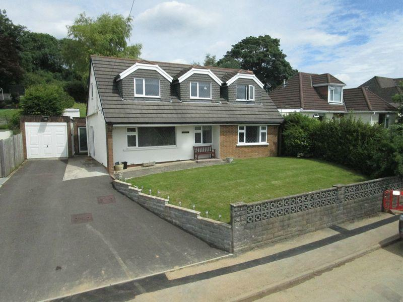 4 Bedrooms Detached House for sale in Greenfields, Miskin Crescent, Miskin, CF72 8JL