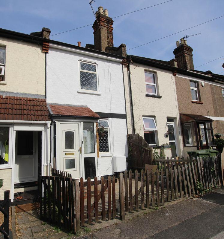 3 Bedrooms Terraced House for sale in Ducketts Road, Crayford