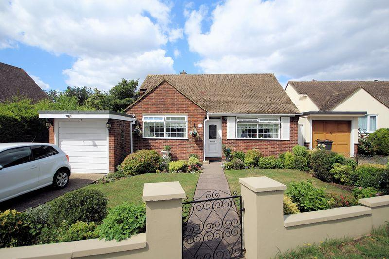 2 Bedrooms Detached Bungalow for sale in Orchard Rise, Shirley