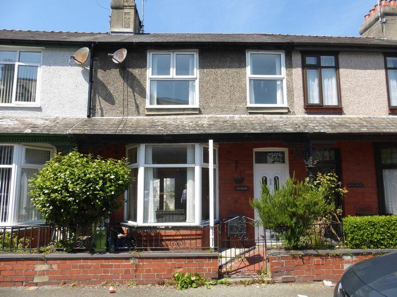 3 Bedrooms Terraced House for sale in Caernarfon