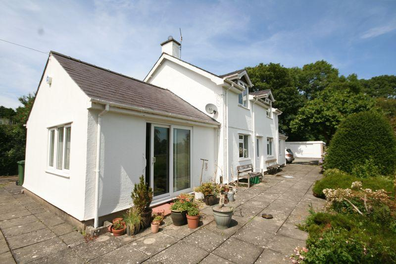 3 Bedrooms Detached House for sale in Dwyran, Anglesey