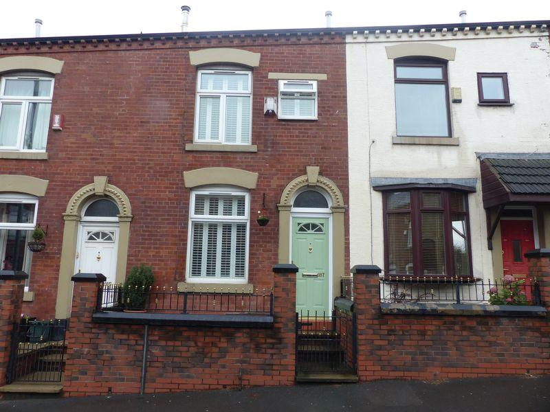 2 Bedrooms Terraced House for sale in Ripponden Road, Oldham