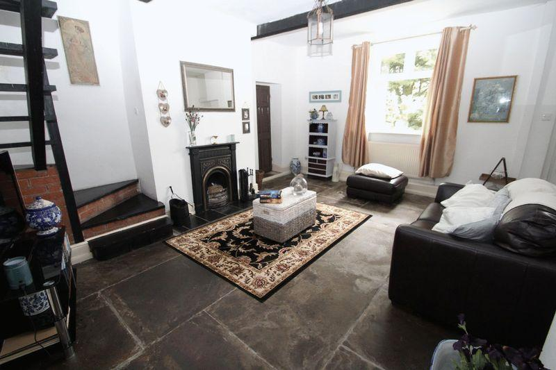 5 Bedrooms Cottage House for sale in Calf Hey Head, Whitworth, Rochdale OL12 8QF