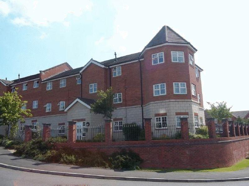 2 Bedrooms Apartment Flat for sale in The Cedars, Sandbach Drive, Kingsmead, CW9 8TS