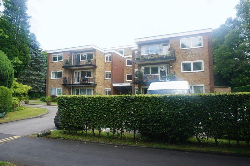 2 Bedrooms Apartment Flat for sale in Clysbarton Court, Bramhall