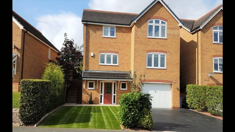 5 Bedrooms Detached House for sale in Blackbrook Drive, Wrexham