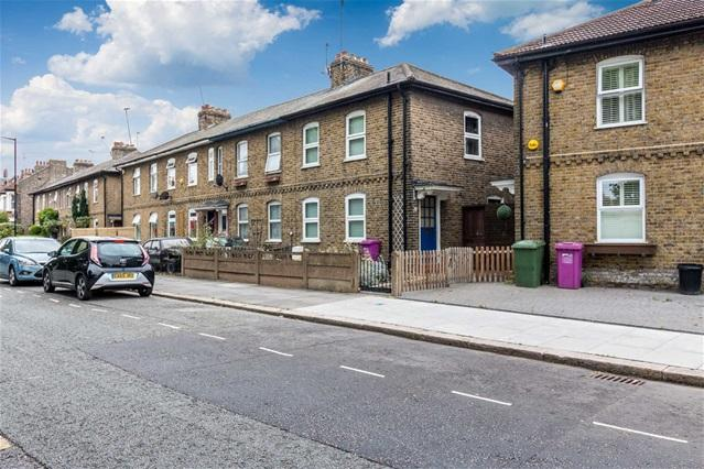3 Bedrooms Terraced House for sale in East Ferry Road, Canary Wharf