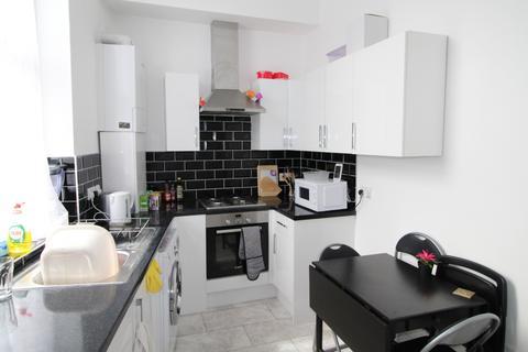 3 bedroom flat to rent - Bramcote Grove, Southwark, London, SE16