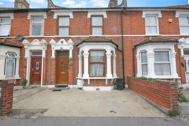 3 Bedrooms Terraced House for sale in Mortlake Road, Ilford, IG1