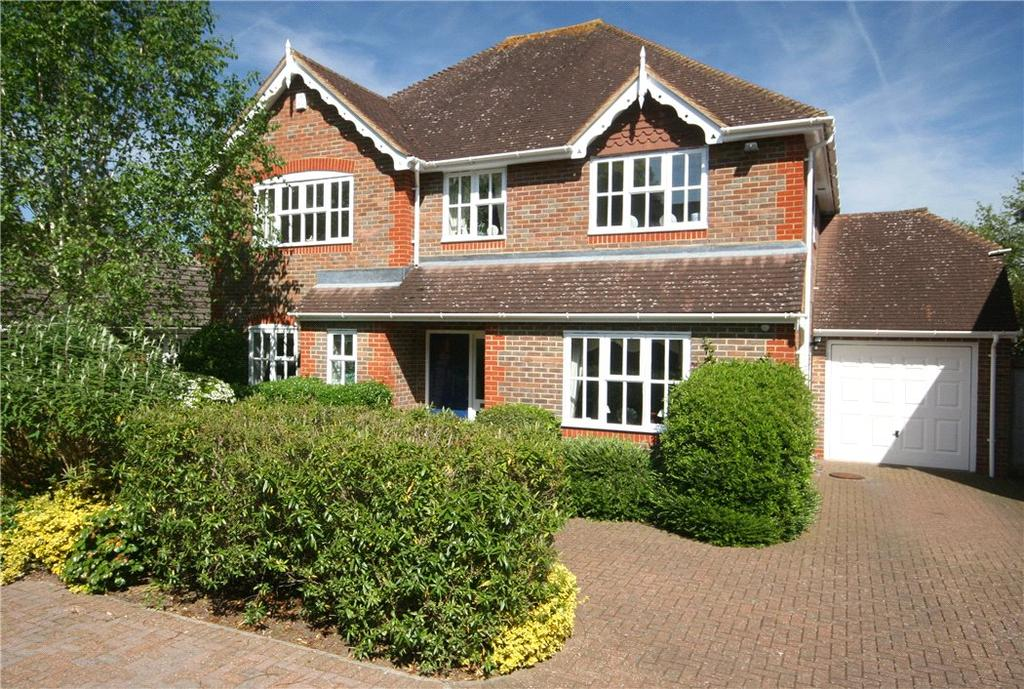 4 Bedrooms Detached House for sale in Edmund Court, Beaconsfield, Buckinghamshire, HP9