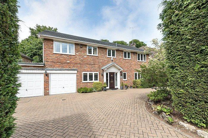 4 Bedrooms Detached House for sale in Burgess Wood Grove, Beaconsfield, Buckinghamshire, HP9