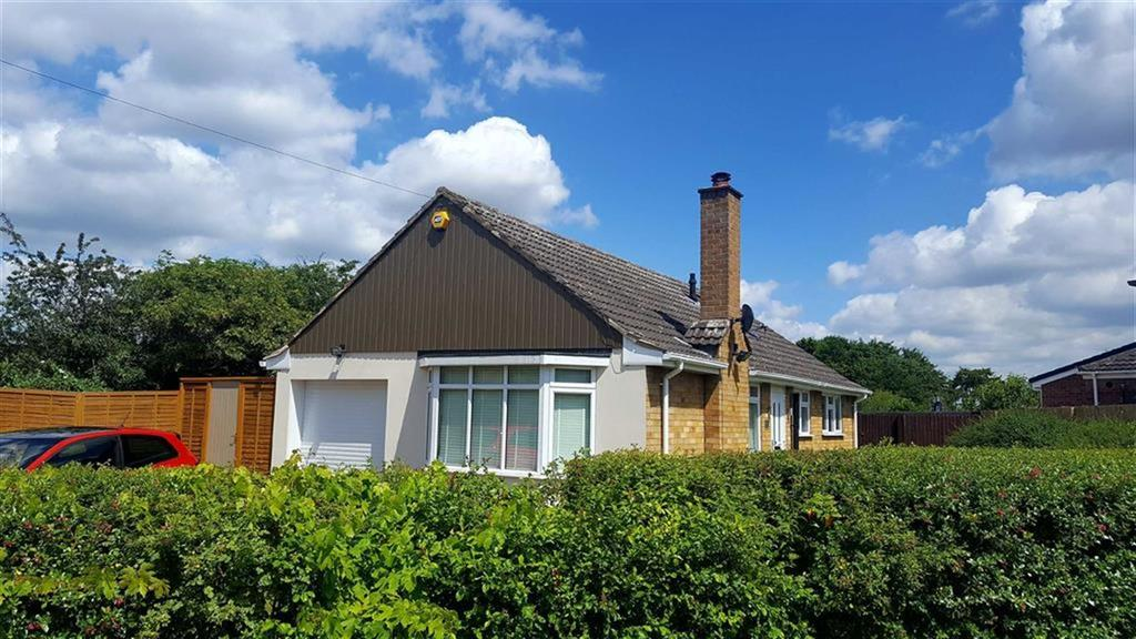 2 Bedrooms Detached Bungalow for sale in Greenhill Road, Whitnash, CV31