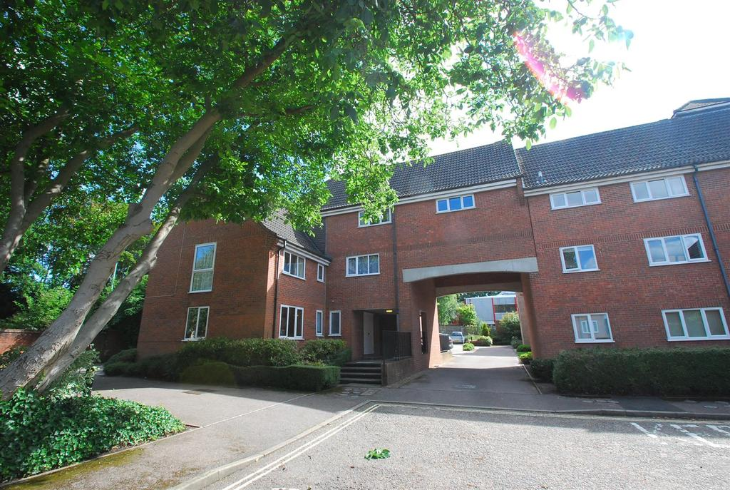 2 Bedrooms Flat for sale in Trinity Mews