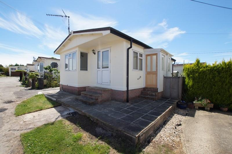 2 Bedrooms Mobile Home for sale in Lady Bailey, Winterborne Whitechurch, BLANDFORD FORUM