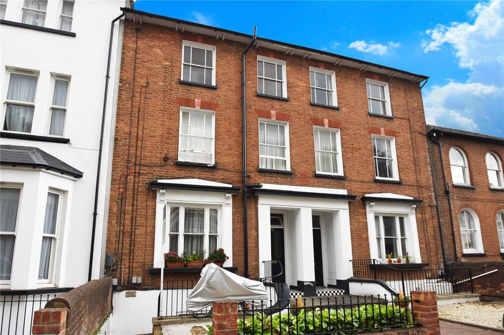 Studio Flat for sale in Alma Road, St. Albans, Hertfordshire