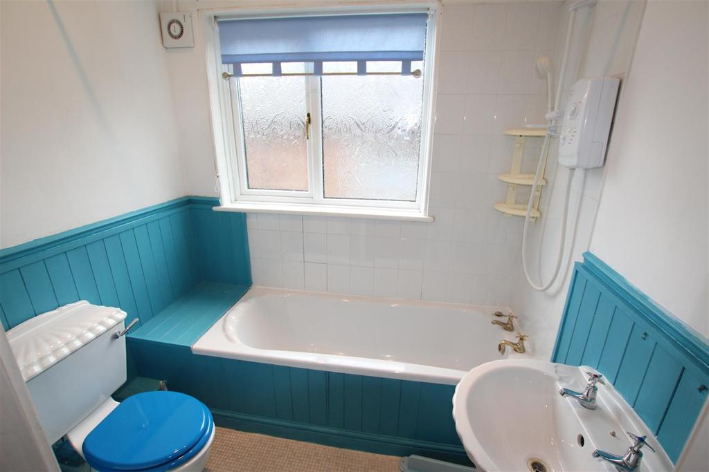 2 Bedrooms Semi Detached House for sale in North Rise, Darlington