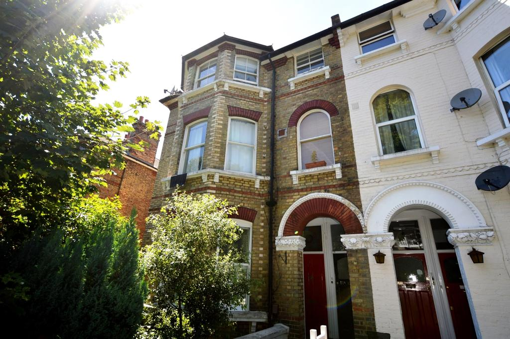 2 Bedrooms Flat for sale in Lunham Road London SE19