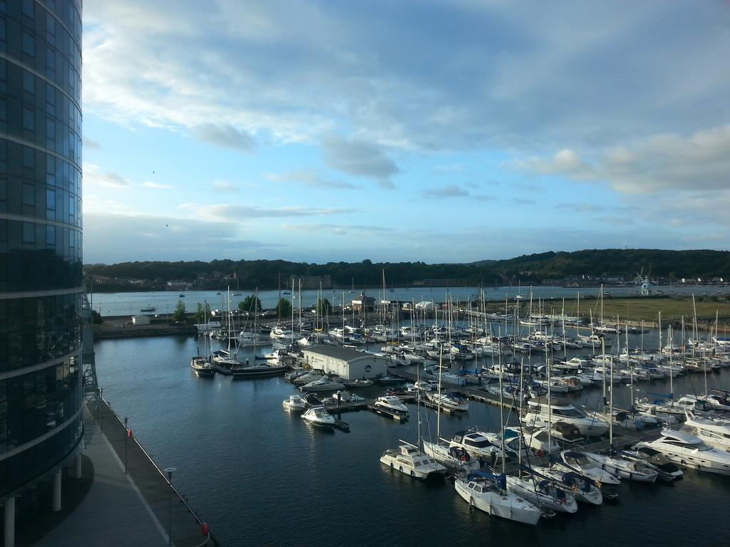 1 Bedroom Apartment Flat for sale in Chatham Quays, Dock Head Road, Chatham, Kent me4