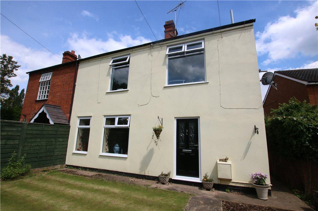 5 Bedrooms Semi Detached House for sale in Birmingham Road, Mappleborough Green, Studley, B80