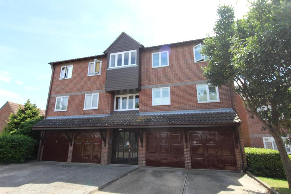 2 Bedrooms Apartment Flat for sale in Wickham Road, Witham, Essex, CM8