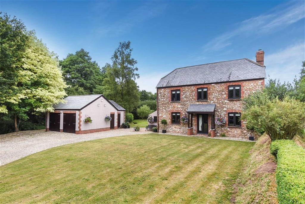 5 Bedrooms Detached House for sale in Uffculme, Cullompton, Devon, EX15