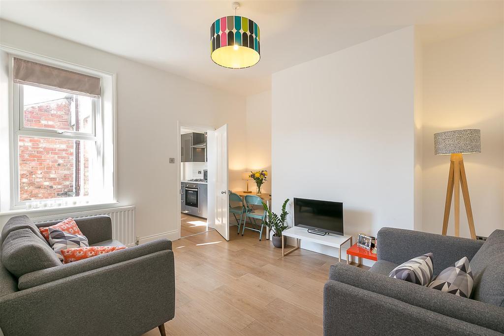 3 Bedrooms Flat for sale in Tavistock Road, Jesmond, Newcastle upon Tyne