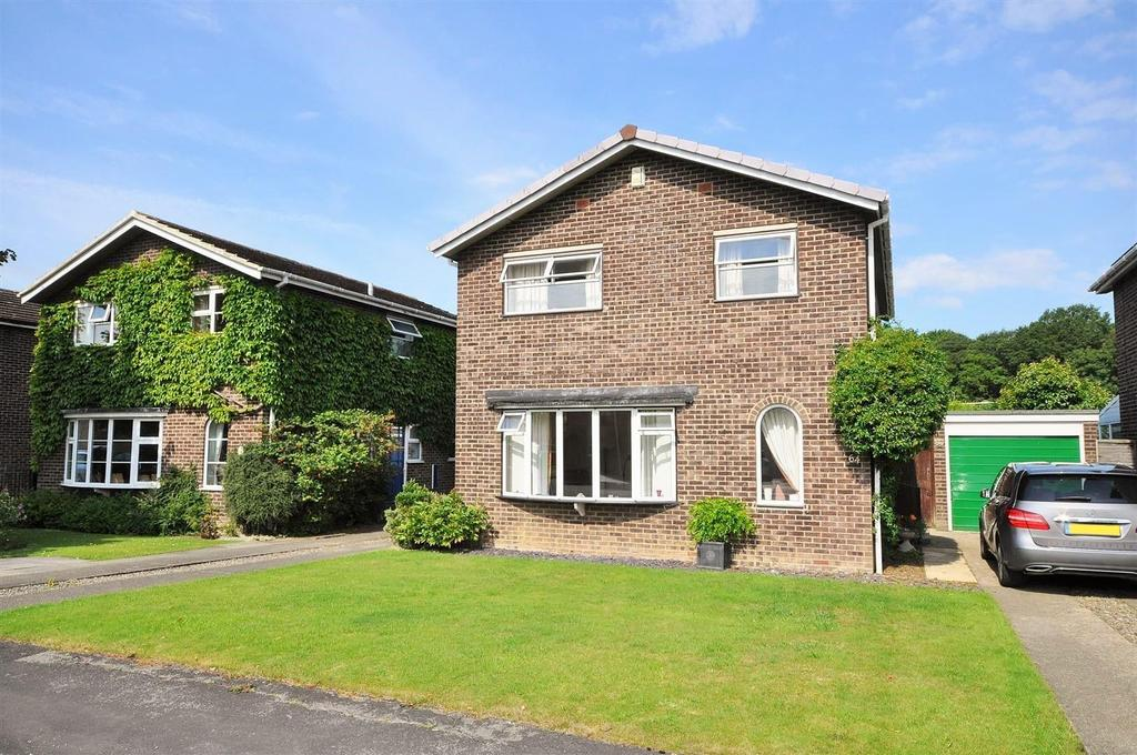 4 Bedrooms Detached House for sale in Grassholme, Woodthorpe, York