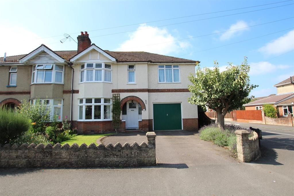 4 Bedrooms Semi Detached House for sale in Kipling Road, Eastleigh