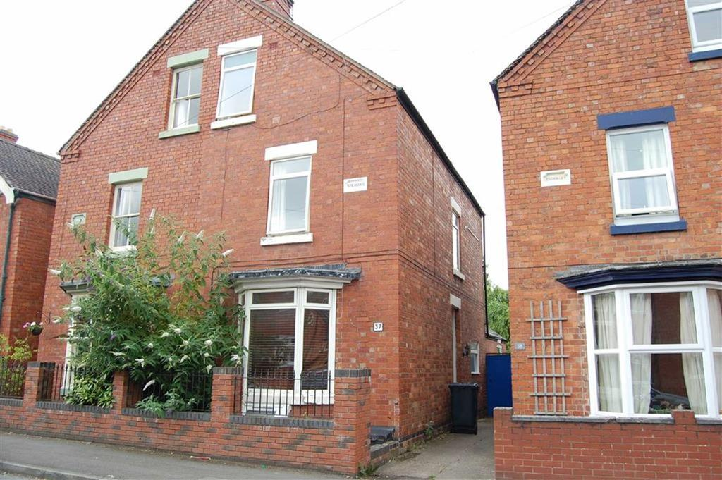 4 Bedrooms Semi Detached House for sale in Tankerville Street, Cherry Orchard, Shrewsbury