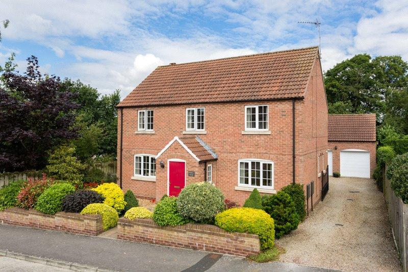 4 Bedrooms Detached House for sale in Gill Croft, Easingwold, York, YO61