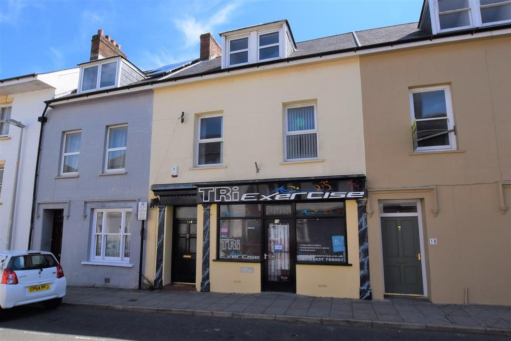 4 Bedrooms Town House for sale in Haverfordwest