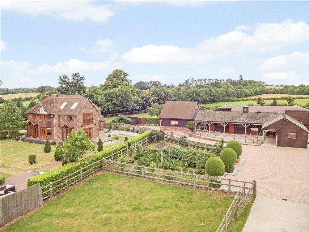 5 Bedrooms Detached House for sale in Seymour Court Road, Marlow, Buckinghamshire, SL7