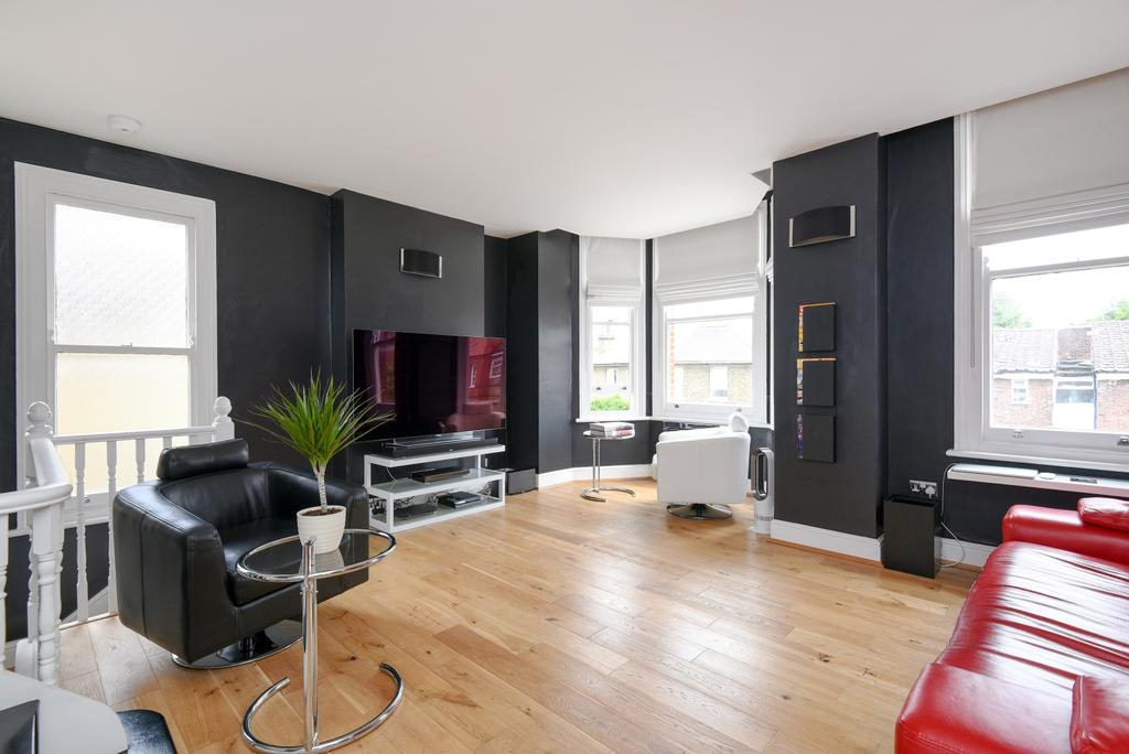 3 Bedrooms Flat for sale in Cambridge Road Bromley BR1