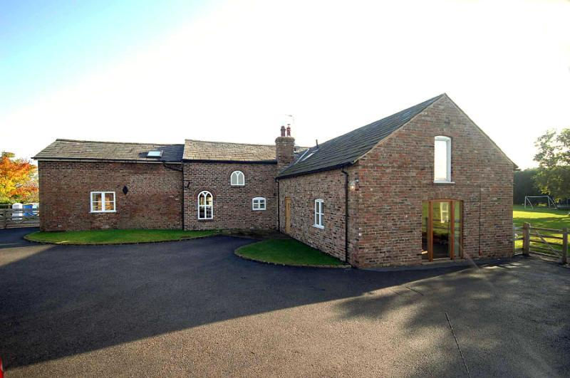 6 Bedrooms Detached House for sale in Back Lane, Ashley, Cheshire, WA15